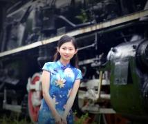 深圳。古老火車头     旗袍 美女