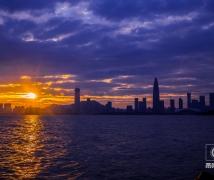 夜幕下的深圳湾