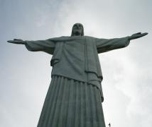 巴西里約熱內盧駝峰山上的耶穌像