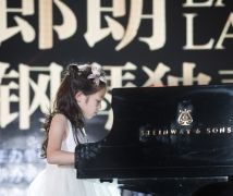 钢琴演奏...(儿童片)