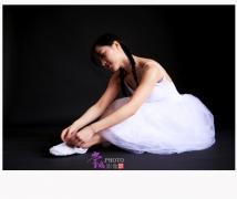 何成保拍摄的《婚纱芭蕾人像》系列作品(摄于 2018-12-31)出镜 :婷婷
