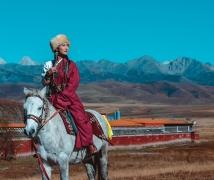 等你三千年——奥色川西旅拍:塔公草原